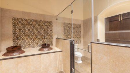 Vaslane Washrooms